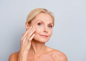 Ästhetische Dermatologie Radiant Beauty: Anti Aging Behandlung durch PDO Fadenlifting in Baden bei Wien bei Dr. Vjara Ilieva