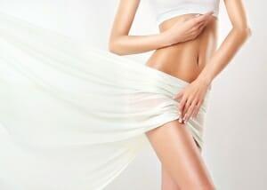 Fettpölsterchen am Bauch und Hüften mit der Injektionslipolyse oder Fett Weg Spritze entfernen in Baden bei Wien