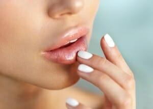 Radiant Beauty- Ordination für Ästhetische Medizin, Dr. Vjara Ilieva- Lippen Untersrpitzung mit Hyaluronsäure: Lippenformung in Baden bei Wien
